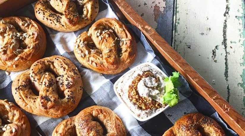 Soft dough Spelt Pretzels