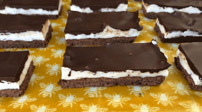 Peppermint Marshmallow Slice